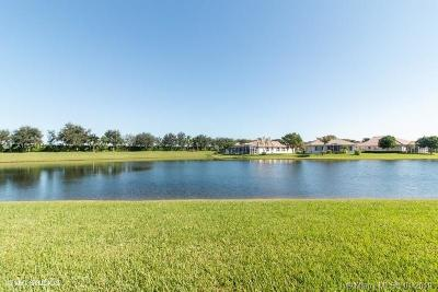 West Palm Beach Condo For Sale: 9839 Galleon Dr #9839