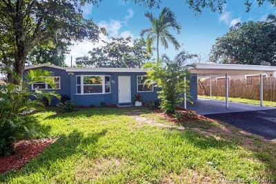 Oakland Park Single Family Home For Sale: 80 NW 40th St