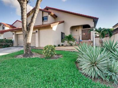 Miami-Dade County Single Family Home For Sale: 6126 NW 175th Ter