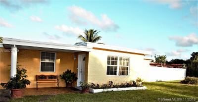 West Park Single Family Home For Sale: 3501 SW 59th Ter