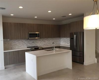 Doral Condo For Sale: 10257 NW 72nd St #10257