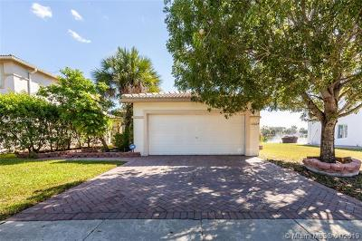 Miramar FL Single Family Home For Sale: $359,900