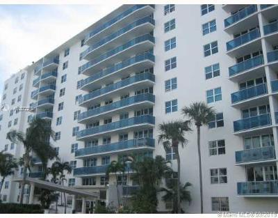 North Bay Village Condo For Sale: 7501 E Treasure Dr #9D