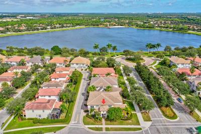 Palm Beach Gardens Condo For Sale: 131 Evergrene Pkwy #131