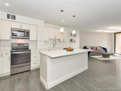 Hollywood Condo For Sale: 3800 N Hills Dr #301