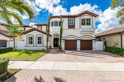 Hialeah Single Family Home For Sale: 17950 NW 90th Pl