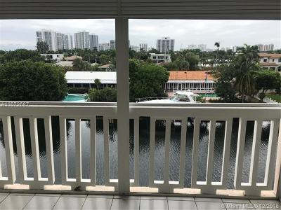 Hallandale Condo For Sale: 455 Paradise Isle Blvd #402