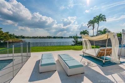 North Miami Beach Single Family Home For Sale: 1930 NE 193rd St
