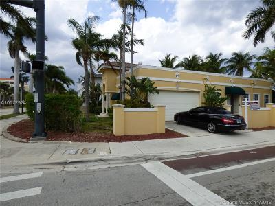 Boca Raton Single Family Home For Sale: 200 NE 2nd St