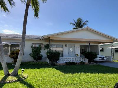 Tamarac Single Family Home For Sale: 8210 NW 57th Pl