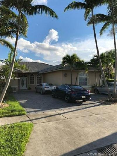 Miami Lakes Single Family Home For Sale: 8796 NW 140th Lane