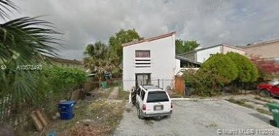 Miami Gardens Condo For Sale: 4520 NW 185th St #4520