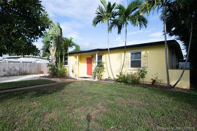 Pompano Beach Single Family Home For Sale: 4740 NE 14 Ter