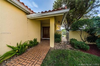 Doral Single Family Home For Sale: 10440 NW 46th St