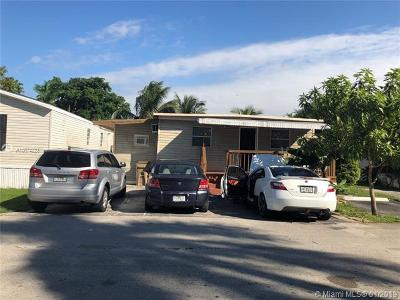 Davie Single Family Home For Sale: 620 SW 131st Terrace