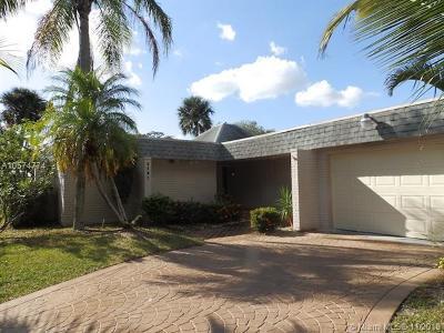 Tamarac Single Family Home For Sale: 5107 Banyan Ln