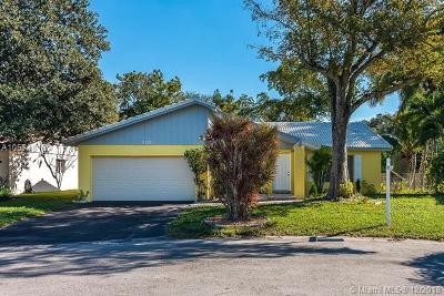 Coral Springs Single Family Home For Sale: 2325 NW 98th Ter