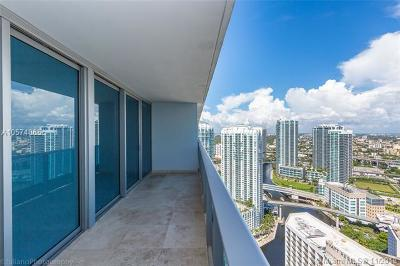 Condo For Sale: 200 Biscayne Boulevard Way #4210