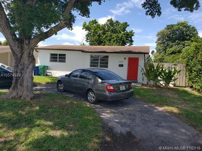 Miramar Single Family Home For Sale: 2420 Kingston Dr