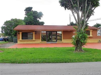 Miramar Single Family Home For Sale: 2311 Riviera Dr