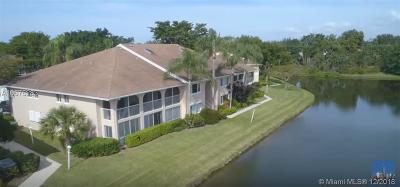 Delray Beach Condo For Sale: 13831 Oneida Dr #D2