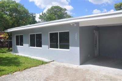 Oakland Park Single Family Home For Sale: 3961 NE 10th Ave