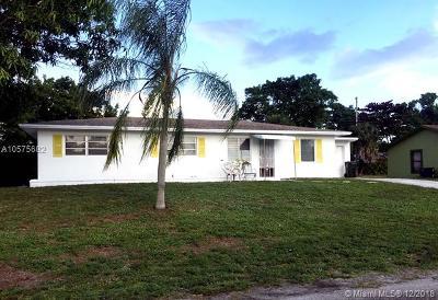 Delray Beach Single Family Home For Sale: 635 Angler Dr
