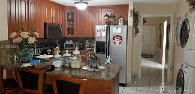 Hialeah Gardens Condo For Sale: 8851 NW 119th St #1107-1