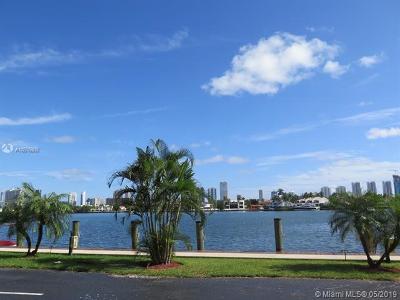 North Miami Beach Condo For Sale: 16570 NE 26th Ave #6c