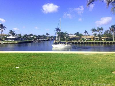 Deerfield Beach Condo For Sale: 745 SE 19th Ave #116