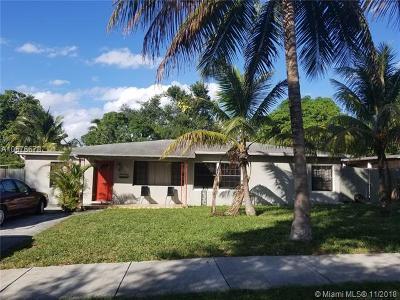North Miami Single Family Home For Sale: 421 NE 134th St