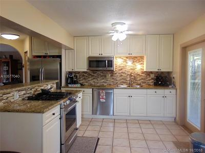 Sunrise Single Family Home For Sale: 12321 NW 29th St