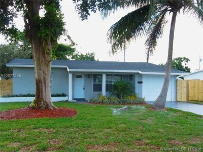 Pompano Beach Single Family Home For Sale: 840 NE 32 Ct
