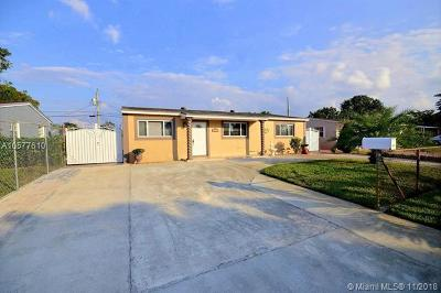 Hollywood Single Family Home For Sale: 941 N 70th Ter