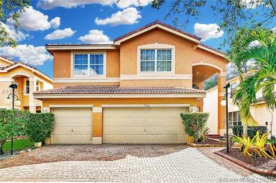 Miramar Single Family Home For Sale: 15766 SW 26th St