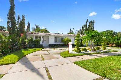 North Miami Single Family Home For Sale: 2010 Alamanda Dr