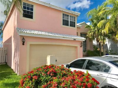 Pembroke Pines Single Family Home For Sale: 946 SW 102nd Ter