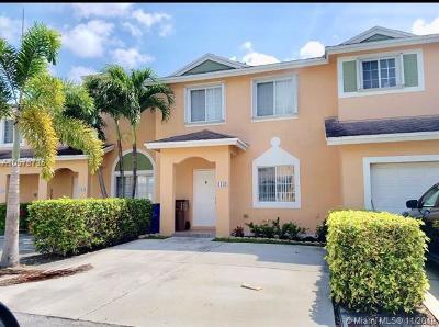 Deerfield Beach Condo For Sale: 1142 SW 44th Way #1142