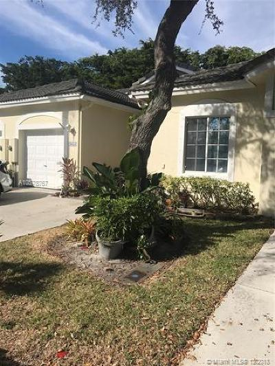 Deerfield Beach Condo For Sale: 4651 SW 12th Place
