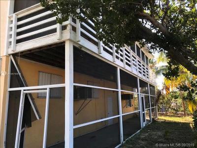 Single Family Home For Auction: 52 Cortez Ln