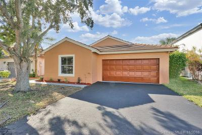 Pembroke Pines Single Family Home For Sale: 2120 NW 191st Ave
