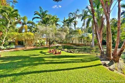 Coral Gables Single Family Home For Sale: 5440 Kerwood Oaks Dr