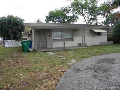 Miramar Single Family Home For Sale: 2601 Island Dr