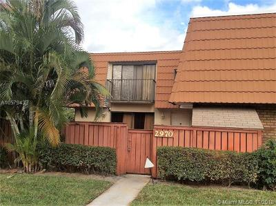 Deerfield Beach Condo For Sale: 2970 SW 11th Pl #2970