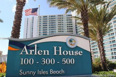 Sunny Isles Beach Condo For Sale: 100 Bayview Dr #729