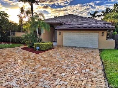 Pompano Beach Single Family Home For Sale: 513 S Riverside Dr