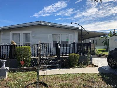 Pompano Beach Single Family Home For Sale: 58 Havenwood Dr