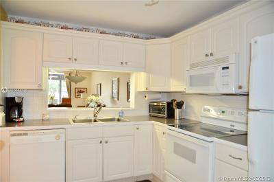 Lauderhill Condo For Sale: 3485 Environ Blvd #C106