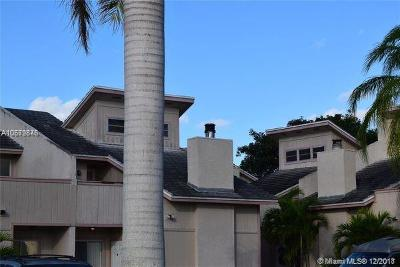 Coral Springs Condo For Sale: 3967 Coral Springs Dr #18
