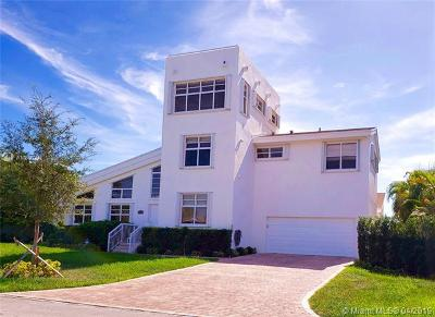 Coral Gables Single Family Home For Sale: 6320 Dolphin Dr